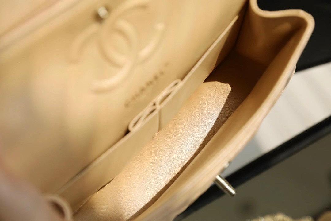 Túi Xách Chanel Classic – Nude Khóa Vàng