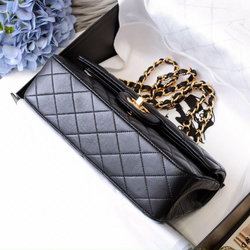 Túi Xách Chanel Classic Khóa Vàng