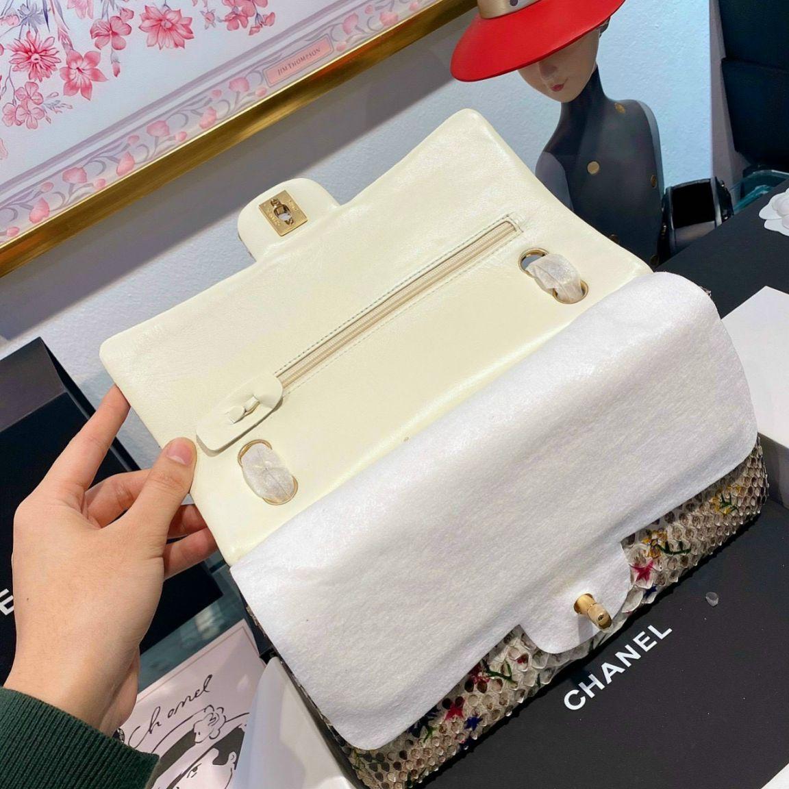 Túi Xách Chanel Classic Mãng Xà – Họa tiết hoa