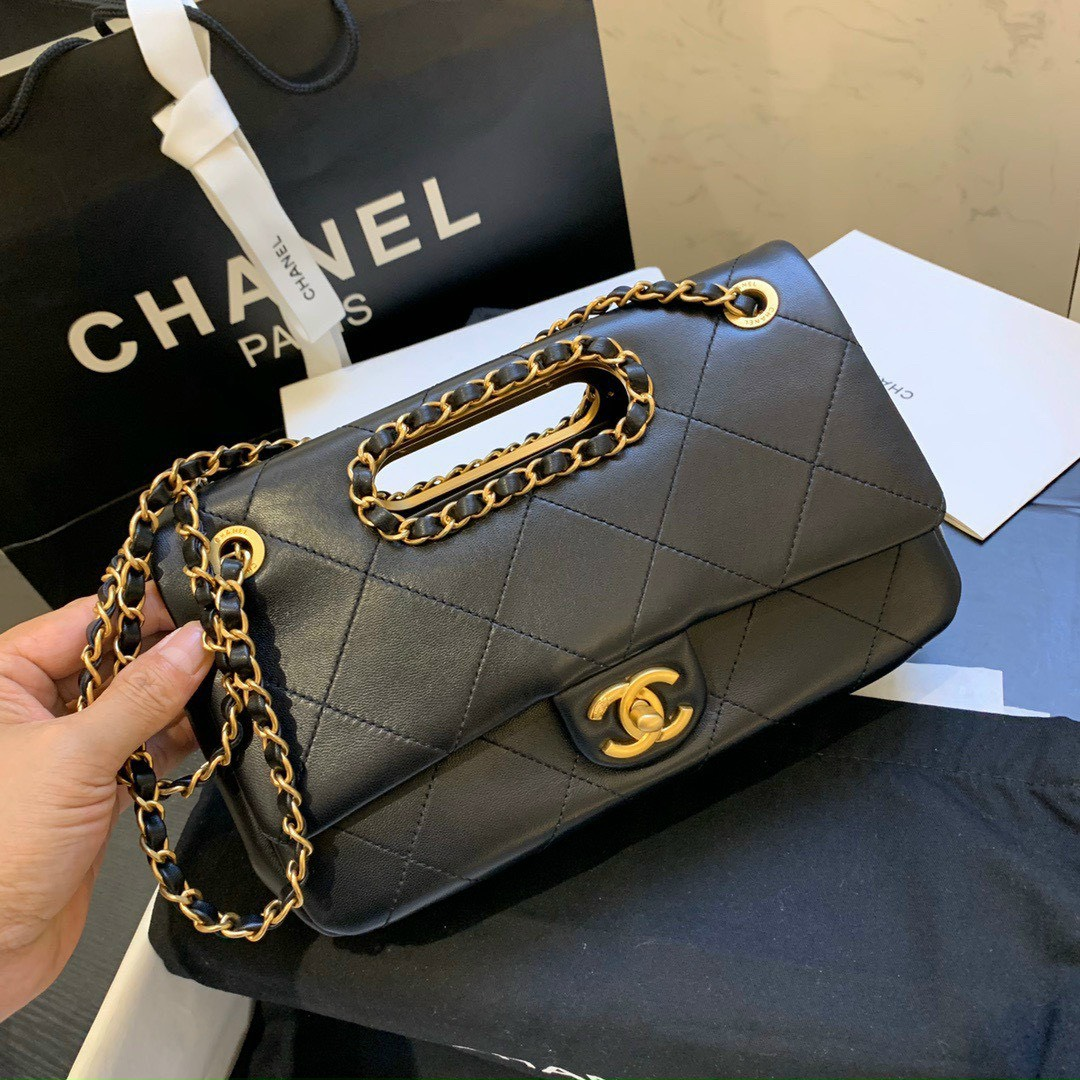 Có nên mua túi xách Chanel giá rẻ trênthị trường không?