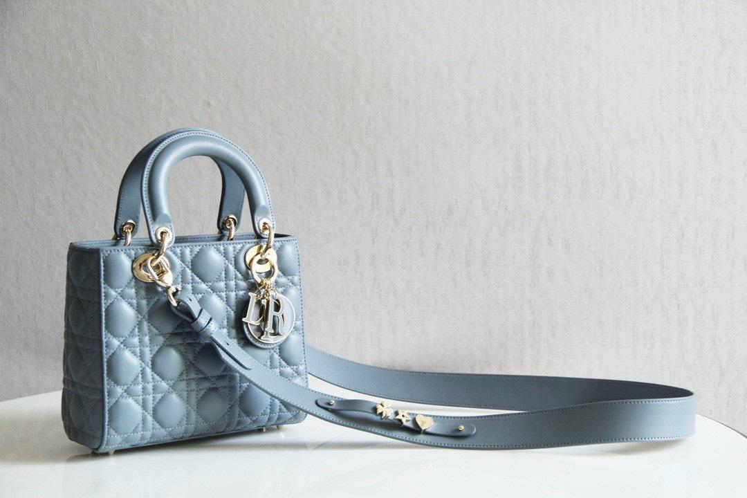 7 chất liệu tạo nên những chiếc túi xách Dior huyền thoại