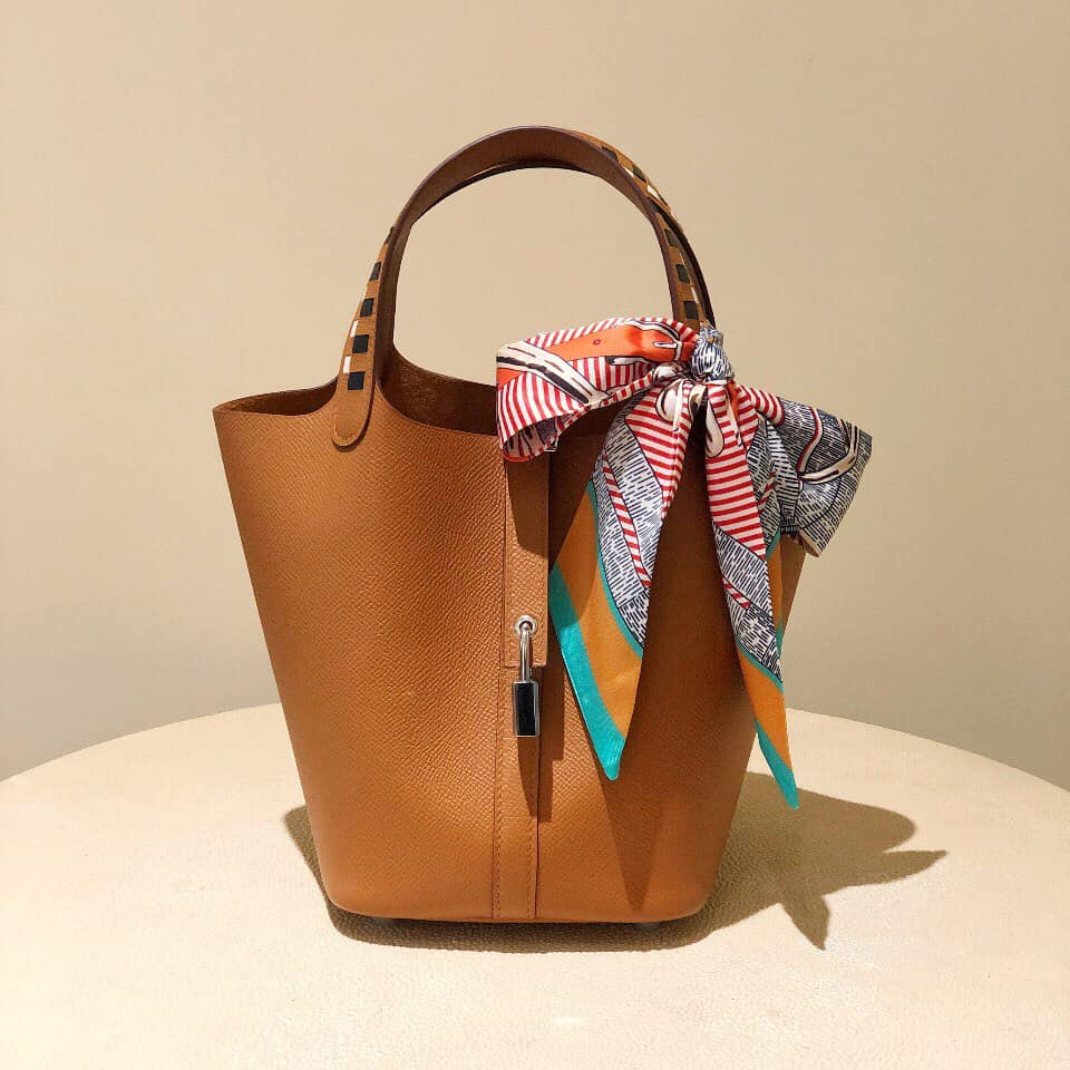 Vì sao túi xách nữ hàng hiệu đắt đỏ bậc nhất thế giới?