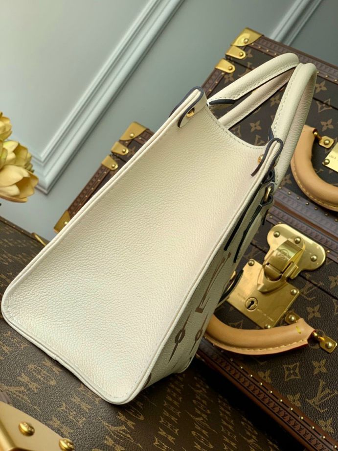 LV Onthego PM Tote Bag – Trắng Be