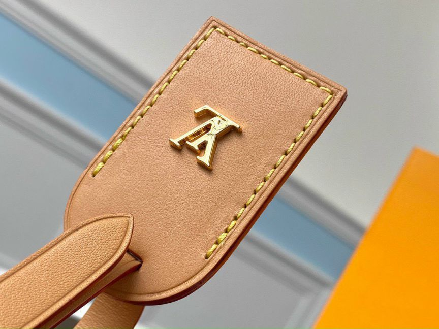 Review Petite Boite Chapeau - Túi Louis Vuitton Paris xa xỉ