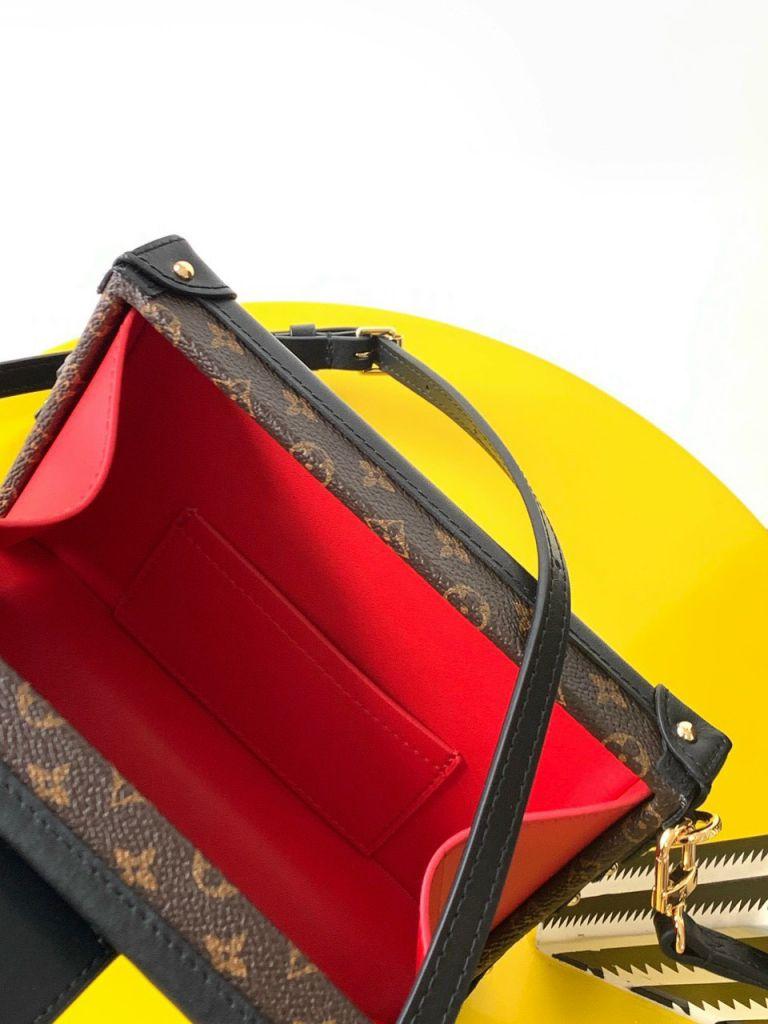 Túi Xách LV Petite Malle – Nâu Khóa Vàng Sticker