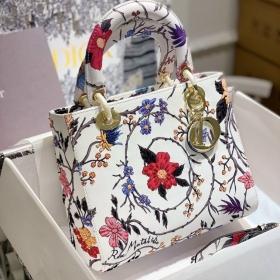 Túi Xách Dior Medium Lady D-Lite Bag - Trắng